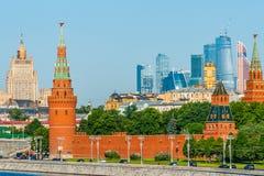 O rio de Moscou e o Kremlin Fotografia de Stock Royalty Free