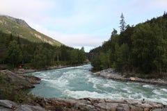 O rio de Sjoa perto do acampamento do caiaque de Sjoa Imagem de Stock Royalty Free