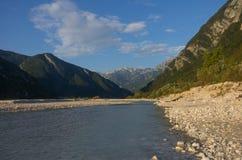 O rio de Tagliamento em Itália Foto de Stock Royalty Free