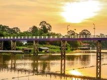 O rio do krang de Sakae dos croos da ponte imagens de stock royalty free