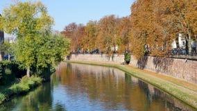 O rio doente em Strasbourg video estoque