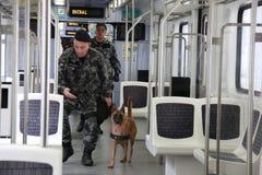 O Rio guarda o anti treinamento do terrorismo para o Rio 2016 dos Jogos Olímpicos Fotografia de Stock