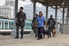 O Rio guarda o anti treinamento do terrorismo para o Rio 2016 dos Jogos Olímpicos Imagem de Stock