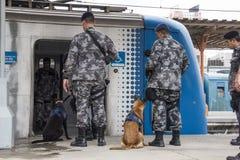 O Rio guarda o anti treinamento do terrorismo para o Rio 2016 dos Jogos Olímpicos Fotos de Stock Royalty Free