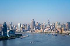 O Rio Huangpu bonito na manhã e na barreira Fotografia de Stock Royalty Free