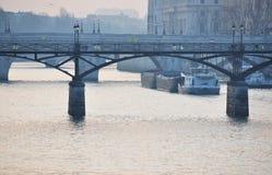 O rio Seine em Paris foto de stock