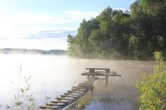 O Rio Volga, vila do penhasco fotos de stock