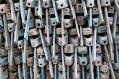 O ritmo e os azuis do andaime de aço tubular do ferro parte imagem de stock royalty free