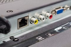 O RJ45 entrou conectores da tevê esperta, o painel da entrada da televisão de definição alta imagens de stock royalty free