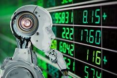 O robô analisa o estoque fotos de stock