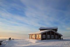 Ośrodek narciarski Dom dla wakacji Snowboarder i skie Obrazy Royalty Free