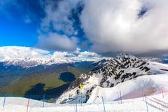 Ośrodek Narciarski przy Kaukaz górami, Rosa szczyt, Sochi, Rosja Zdjęcia Royalty Free
