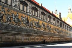 O rstenzug do ¼ de Fà na cidade de Dresden é 101 medidores longos e construídos com sobre elementos porcelan de 26'000 Meissen fotografia de stock