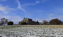 O século do castelo a14th de Craigmillar e foi usado enquanto um filme se ajustou para o Outlander e o rei foragido Foto de Stock