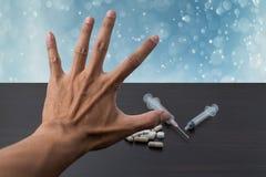 O símbolo da mão não toma a medicina Fotografia de Stock Royalty Free