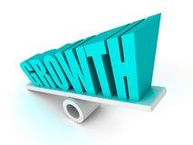 O símbolo da palavra do texto do CRESCIMENTO no equilíbrio cresce acima Fotografia de Stock Royalty Free