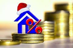 O símbolo dos bens imobiliários no fundo das barras inventa Imagens de Stock Royalty Free