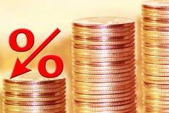 O símbolo dos por cento no fundo do dinheiro Imagens de Stock
