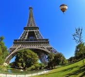 O símbolo majestoso de Paris - torre Eiffel Foto de Stock Royalty Free