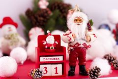 O ` s de Santa Claus e do ano novo calendar o 31 de dezembro no backgr Fotos de Stock Royalty Free