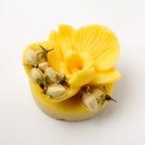 O sabão feito a mão como orquídeas floresce, aromaterapia, termas fotografia de stock royalty free