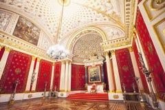 O Salão de Peter do eremitério St Petersburg Rússia fotografia de stock royalty free