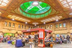 O salão do registro na estação de trem de Edimburgo Waverley fotos de stock royalty free