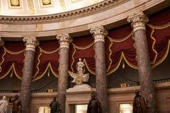 O Salão estatuário nacional na construção do Capitólio foto de stock