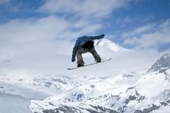 O salto do Snowboarder Imagem de Stock Royalty Free