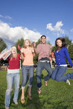 O salto dos estudantes Fotos de Stock