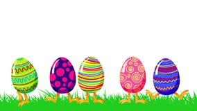 O salto louco dos desenhos animados eggs em uma grama verde Animação feliz do laço do cumprimento da Páscoa isolada no branco ilustração royalty free