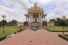 O santuário da estátua quatro-enfrentada de Brahma em Sing Buri, Thailan imagem de stock royalty free
