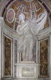 O santuário do Veronica de Saint na basílica di San Pietro imagens de stock