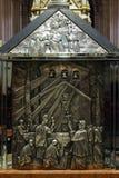 O sarcófago Blessed Aloysius Stepinac na catedral de Zagreb foto de stock