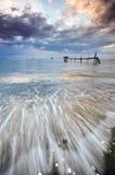 O Seascape bonito com movimento acena para o primeiro plano Fotografia de Stock