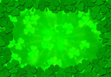 O Shamrock sae do dia do St Patricks do fundo da beira Fotografia de Stock Royalty Free