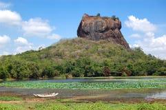 O Sigiriya (rocha do leão) imagem de stock royalty free