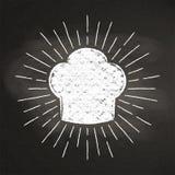 O silhoutte do giz do toque do ` s do cozinheiro chefe com sol irradia no quadro-negro ilustração royalty free