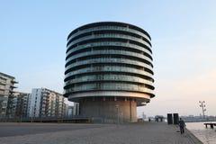 O silo transformou em apartamentos Fotos de Stock