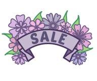 O sinal da venda da mola na fita com flores roxas e verde sae sem o fundo, o pé de página do disconto e a bandeira imagem de stock
