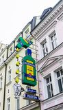 O sinal de Jan Becher Museum em Karlovy Var fotos de stock royalty free