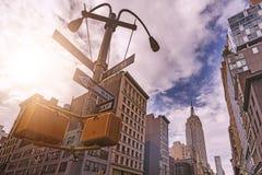 5o sinal de rua da avenida Imagens de Stock