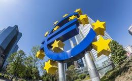 O sinal em um dia ensolarado, Francoforte do Euro - am - cano principal, Alemanha Imagens de Stock