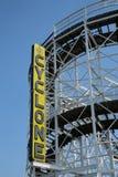 O sinal original do restaurante do Nathan em Coney Island, New York Fotos de Stock