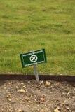 Sinal proibido do gramado. Imagens de Stock Royalty Free