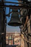 O sino e os telhados em Turin, Itália Foto de Stock Royalty Free