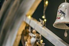 O sino pendura o close-up para vários temas festivos foto de stock royalty free