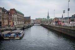 O sistema do canal em Copenhaga dinamarca fotografia de stock