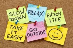 O Slow down, relaxa-o, toma- fácil Imagens de Stock