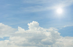O sol e as nuvens Foto de Stock Royalty Free